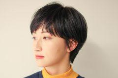 黒髪ジェンダーレスショート スタイル写真